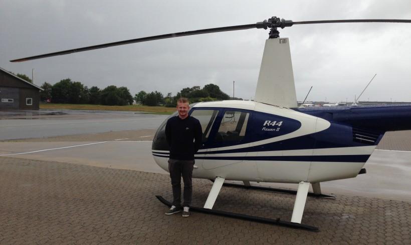 Stephan har bestået skill test til R44 type rating